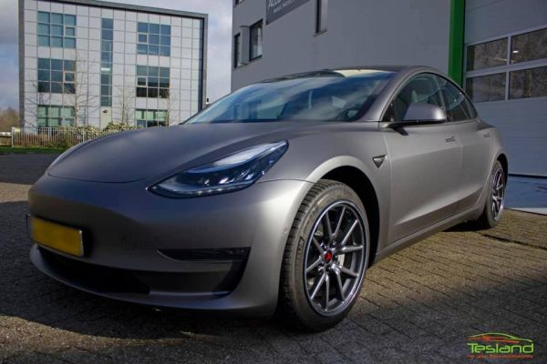 Tesla Model 3 - Auto wrap