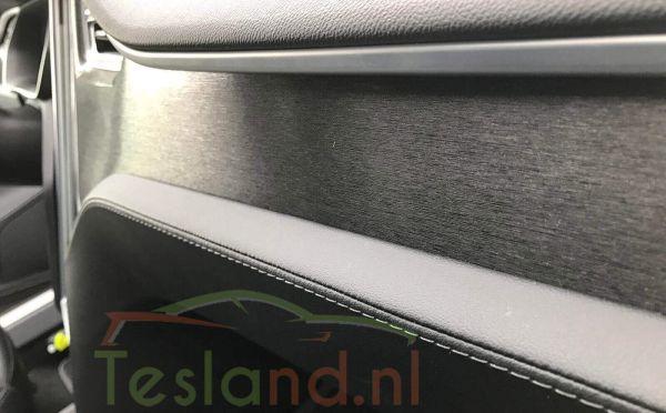Dashboard Wrapping Tesla Model S en X | tesland.com