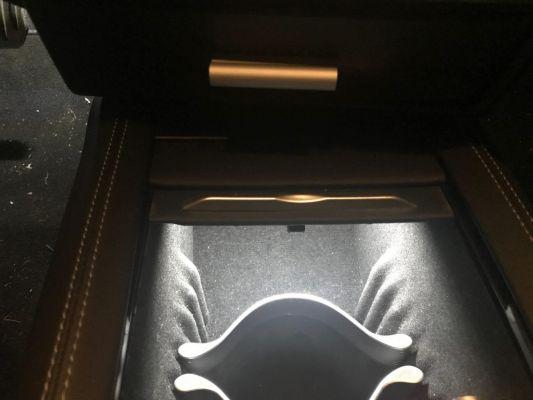 LED verlichting voor middenconsole met sensor