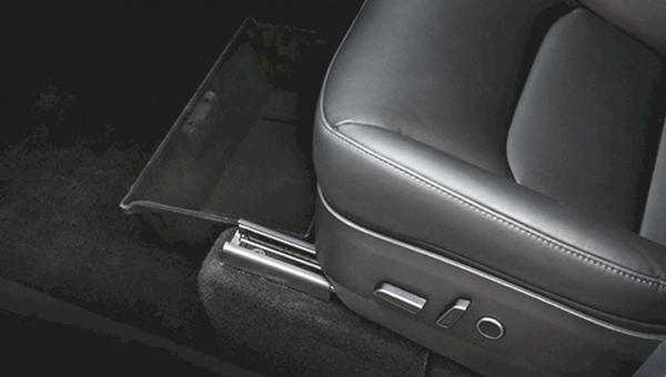 Model Y - Opberg lade voor bestuurdersstoel