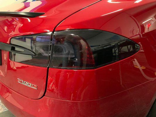 Achterlichten Tesla tinten