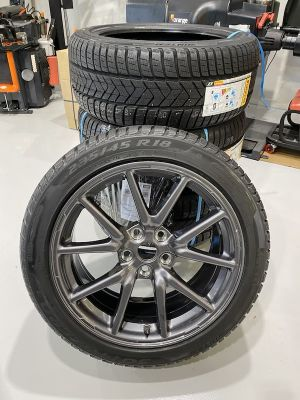 Set Winter wielen met  nieuwe Pirelli SottoZero3 winterbanden