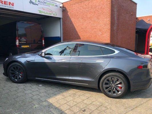 Model S - Autoramen tinten XPEL XR (hittewerende folie)