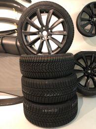 """Lockdown aanbieding 18"""" Model 3 Turbine wielen met winterbanden  en  TPMS"""